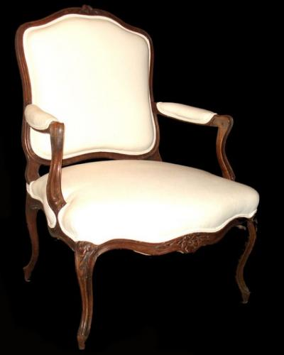 A late 18th Century mahogany bergère