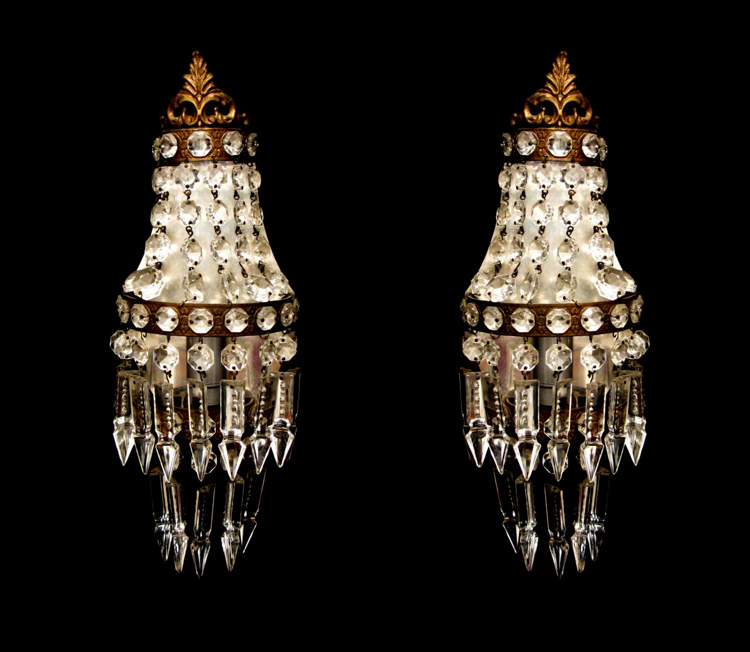 A pair of Edwardian style wall lights
