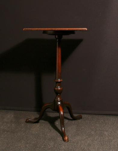 A 18th C mahogany urn table