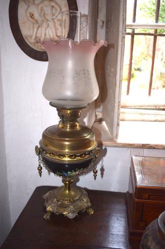 A Victorian porcelain bowl