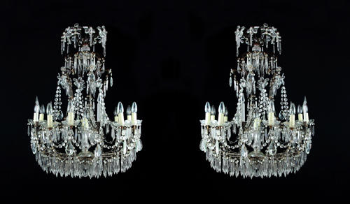 A pair of Italian chandeliers