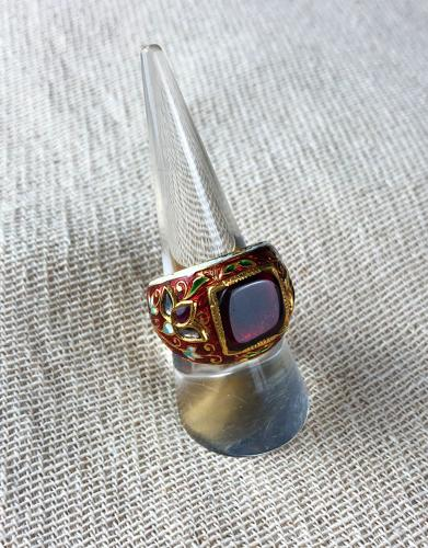 A Mughal Enamel Ring With Spinel