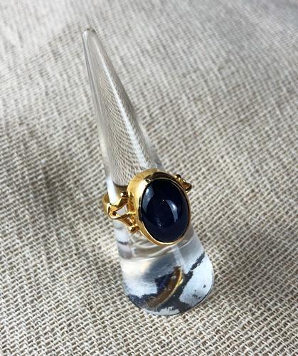 6.5 Carat cabochon star sapphire ring