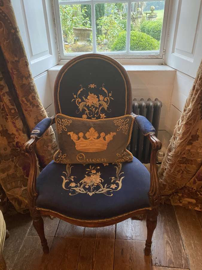 A Hepplewhite mahogany George third open armchair