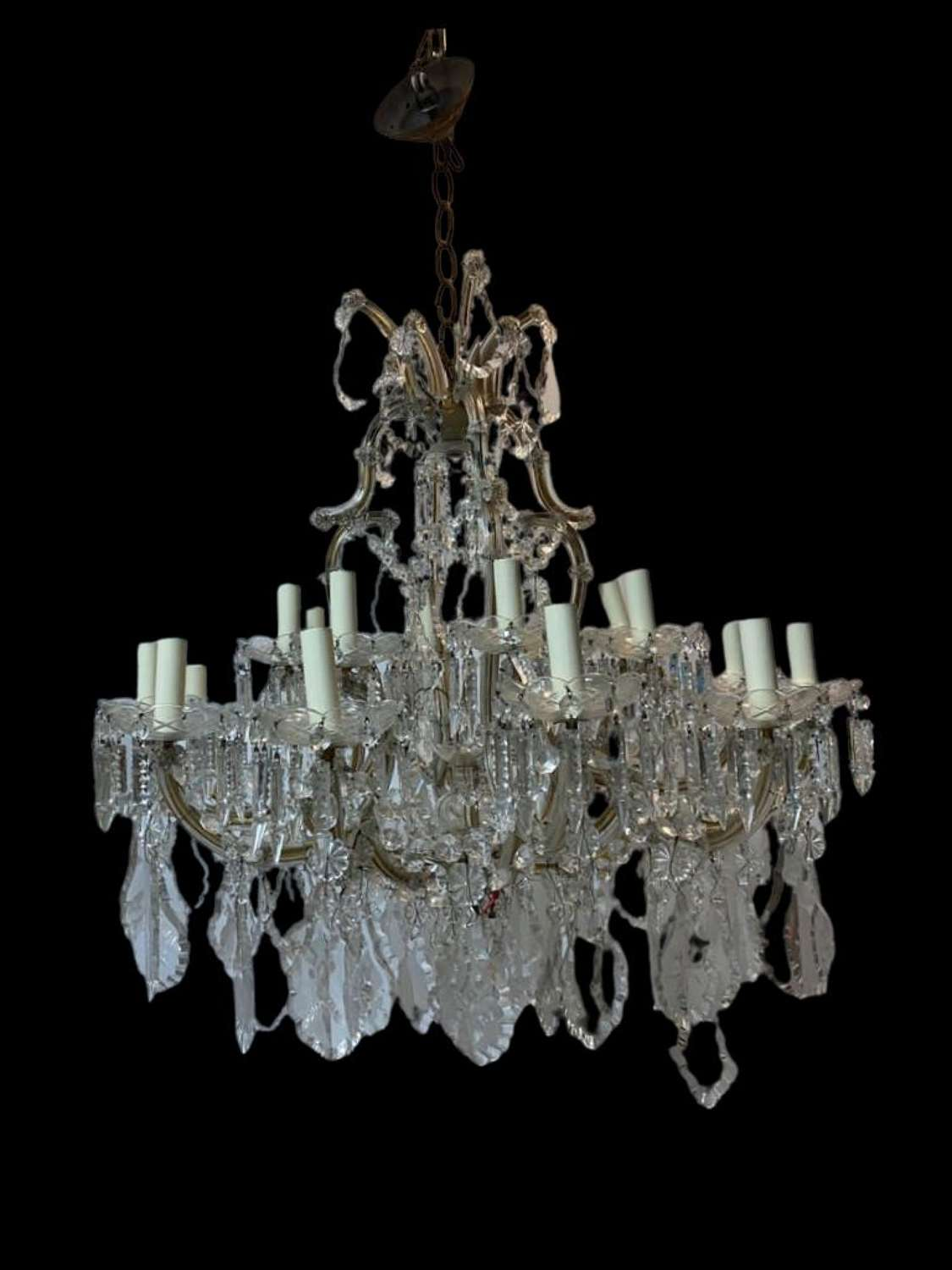 A fine cut crystal glass Maria Theresa chandelier